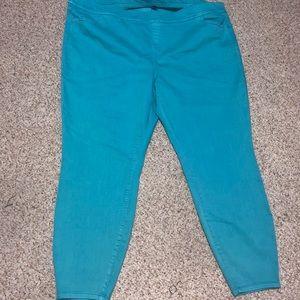 NWOT Torrid stretch jeans